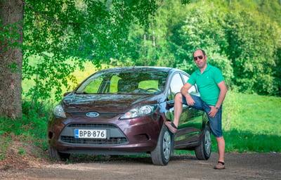 Joao Jussi Courela ja auto, kuvituskuva.